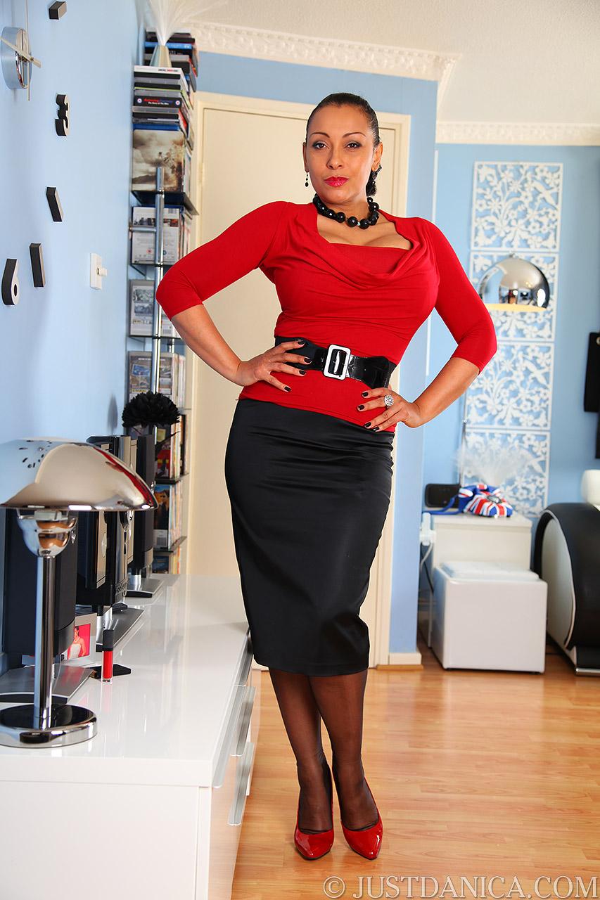 Danica Collins Tight Skirt - Hot Girls Wallpaper